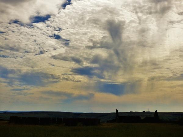 Big sky at Ogden by cookyphil