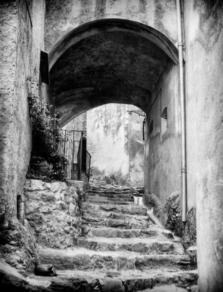 Ramatuelle - Side Alley by NevJB