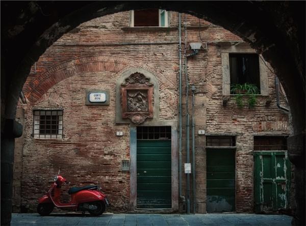 Via Vespa by KingBee