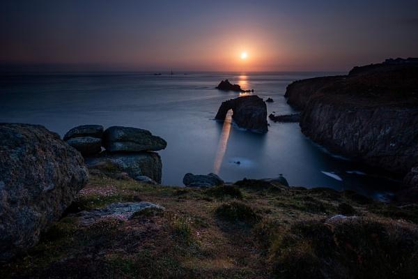 Follow the light..... by Arvorphoto