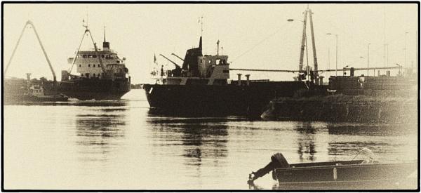 SHIPS by SOUL7