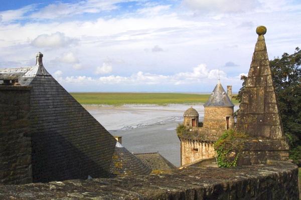 Mont Saint Michel by mikekay