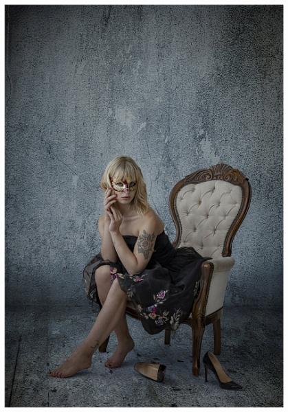 Sitting Pretty by Owdman