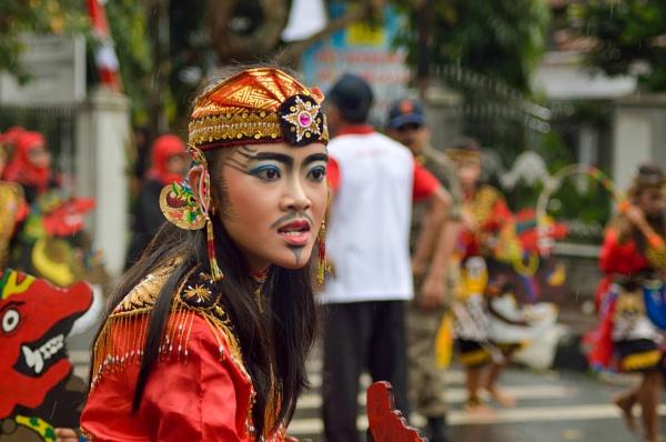 Jhatilan Dancer by Nanang