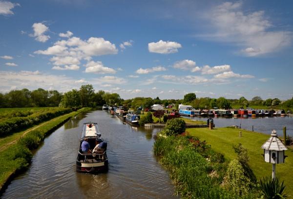 Shardlow Canal boats by paulsfrear
