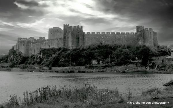 Pembroke Castle by micra-chameleon