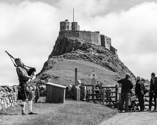 Lindisfarne Castle by pdunstan_Greymoon