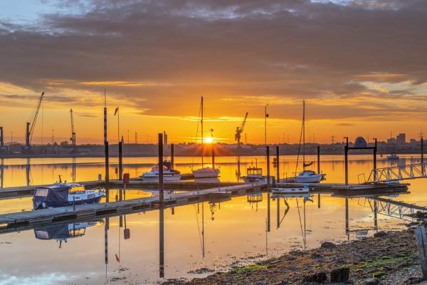 Marchwood Sunrise by NickLucas