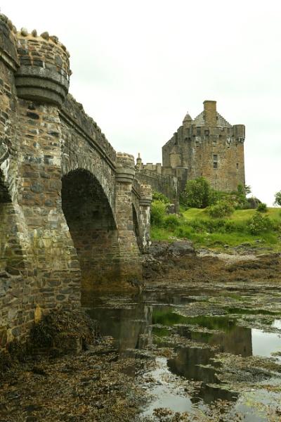 Eilean Donan Castle by mikekay