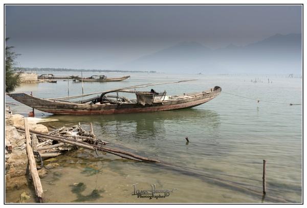 Fishing boats Dam Thuy Tu Vietnam by IainHamer