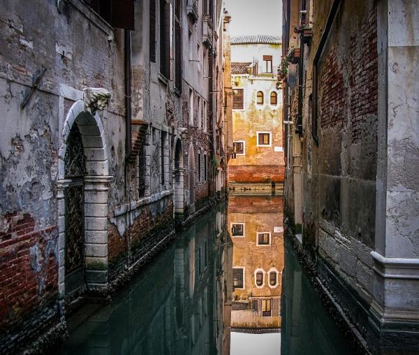 Venice Backstreets by Silverlake