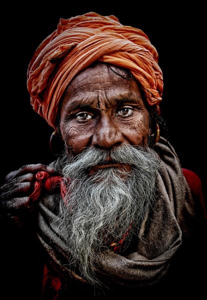Hindu pilgrim by sawsengee