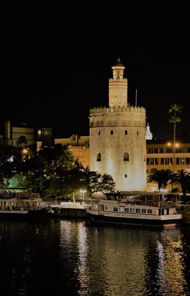 Torre del Oro. by maxiautos