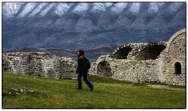 Wandering by nklakor