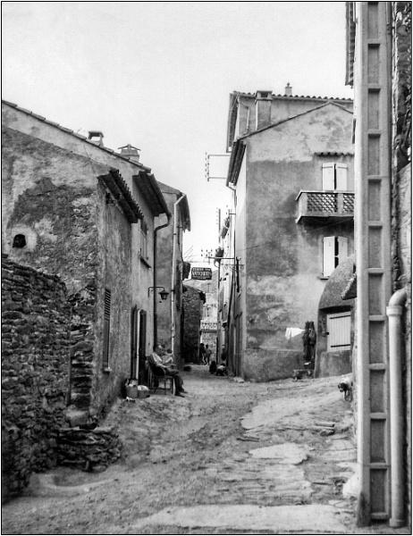 Ramatuelle Street by NevJB