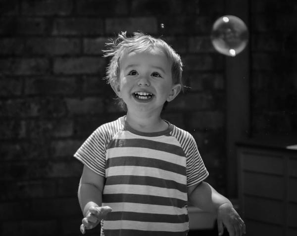 The joy of bubbles by mammarazzi