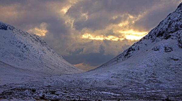 Winter in Glencoe by hibbz