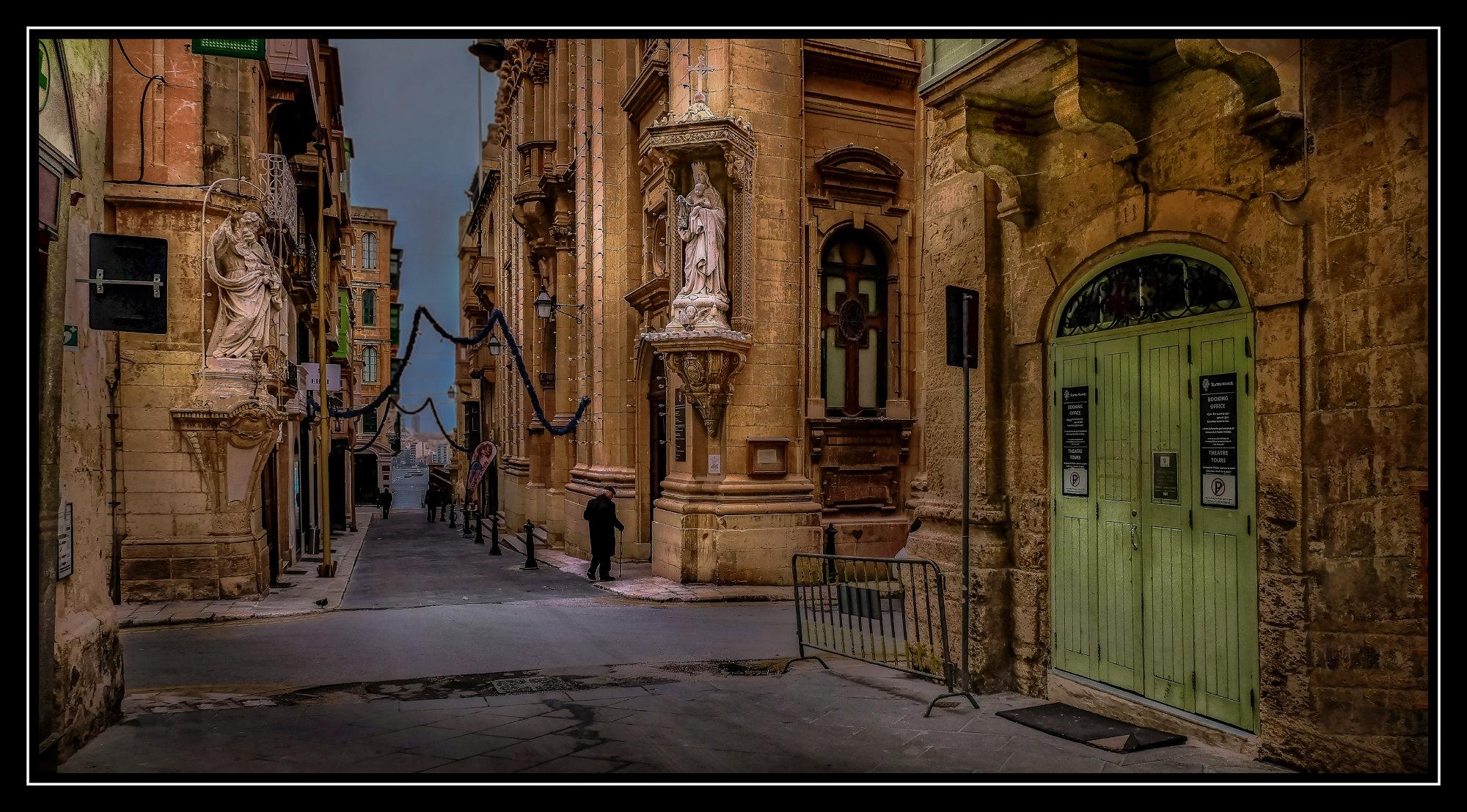 11 Old  Theater Street --- Valletta Malta