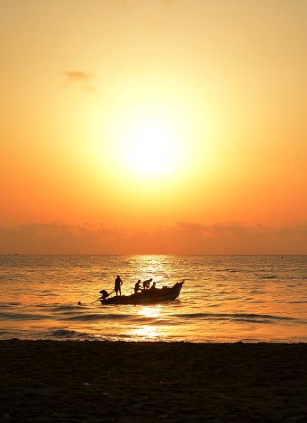 Sunrise at Marina! by lightsandelements