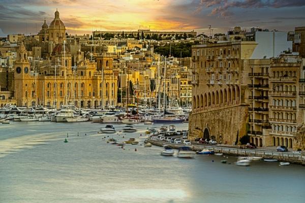 Valetta Harbour by mmart
