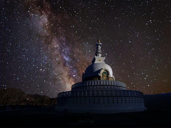 Shanti stupa, Leh by drjskatre