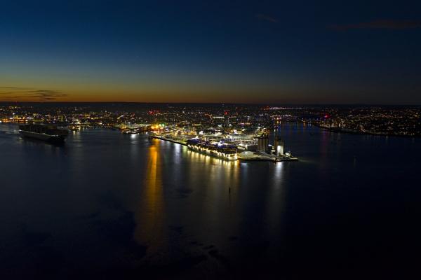 City Lights by neily_m
