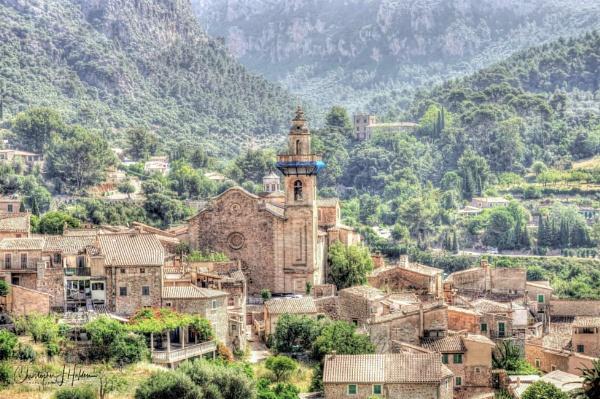 Valldemossa, Mallorca. by Tissynoho