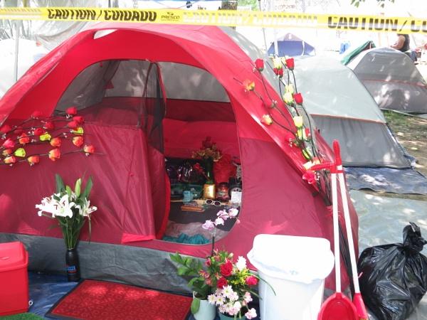 Philadelphia Homeless Encampment #2 by handlerstudio