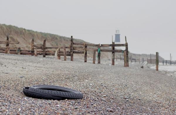 Tyre - Spurn Point by rickhanson