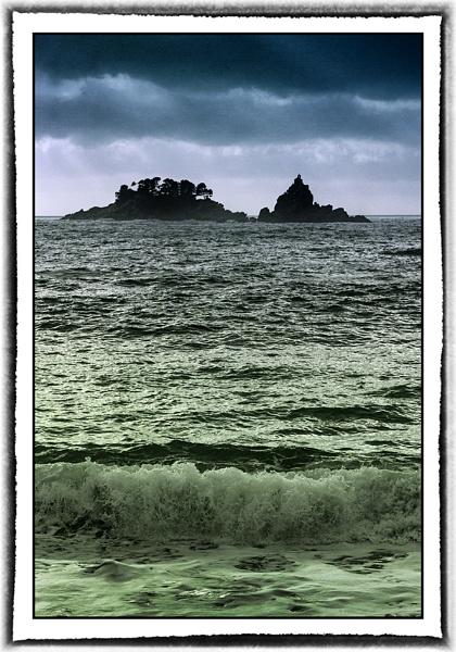 Islands  twins by nklakor