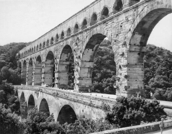 Pont du Gard by NevJB