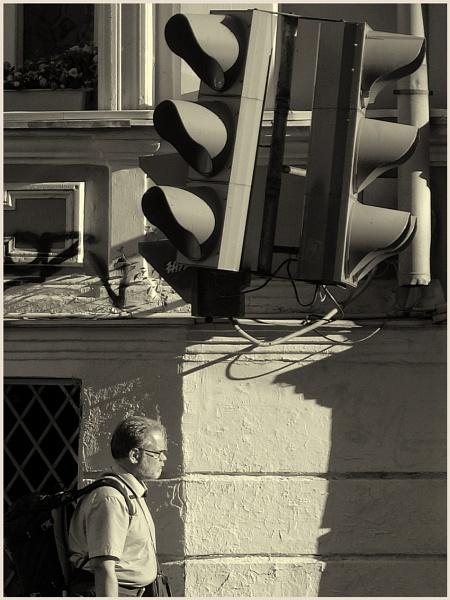 backpack walker by leo_nid