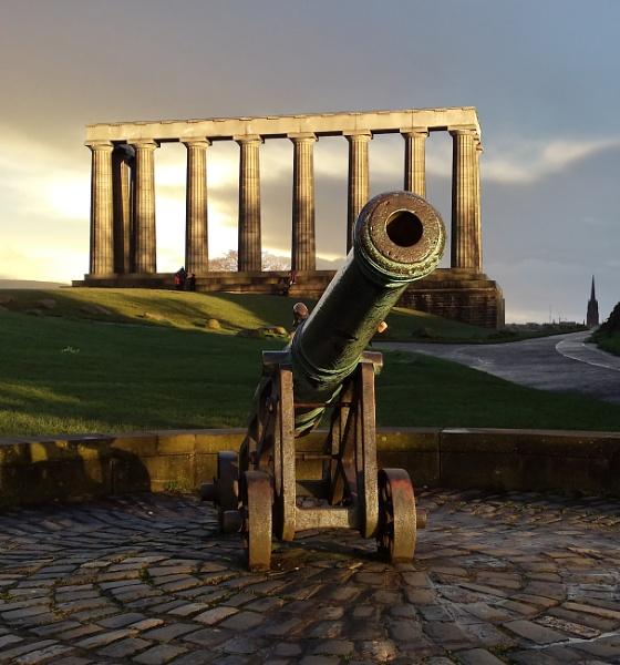 Edinburgh Cannon by JohnDyer