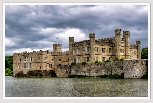 Leeds Castle by Robert51