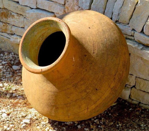 A simple urn by ddolfelin