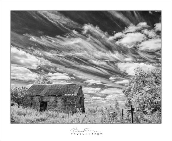 Barn under the Sky by johnnyjohhny