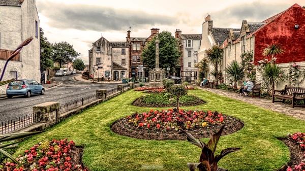 Colourful Corner in North Berwick. by Tooma