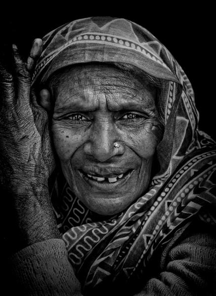 a brief encounter in Pushkar 2........ by sawsengee