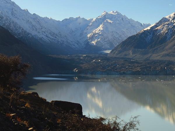 Tasman Glacier Lake 6 by DevilsAdvocate