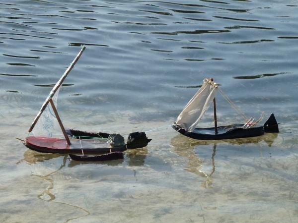 Flip flop boats ... by chrisdunham
