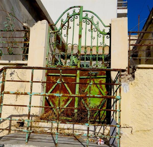 Gates by ddolfelin