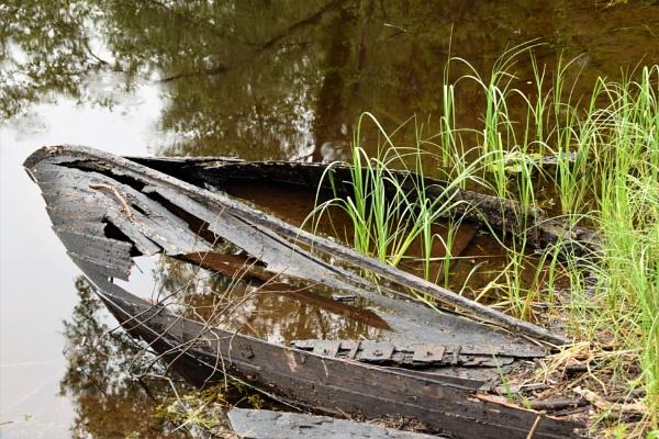 Old boat by davyskid