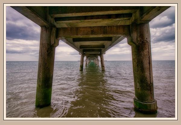 Deal Pier by Robert51