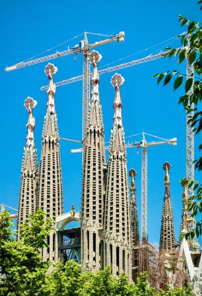 La Sagrada Familia by nclark