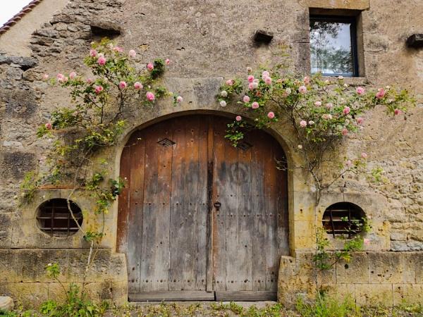 barn entrance by jeakmalt