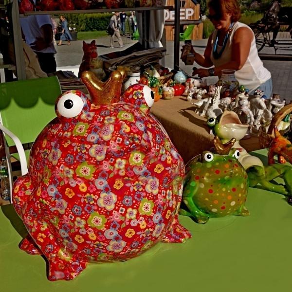 frog prince, anyone? by leo_nid