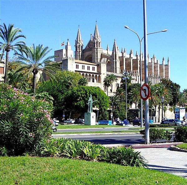 Palma Cathedral by ddolfelin