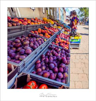 Shopping for fruit during the pandemic