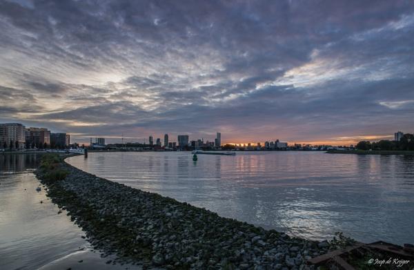 Sunset Rotterdam by joop_