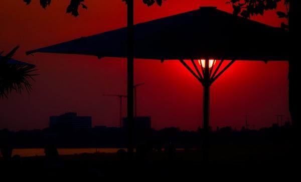 Sundowner by icipix